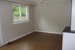 Centrally Located Waterloo 3 Bedroom with Inlaw Suite Kitchener / Waterloo Kitchener Area image 3