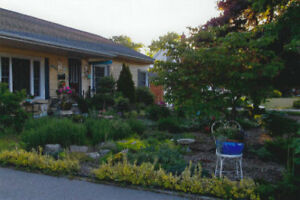 BRANTFORD: COMING SOON: WONDERFUL BUNGALOW IN HENDERSON