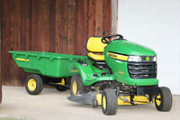 John Deere X300- like new