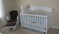 Graco White Charleston Crib with Mattress