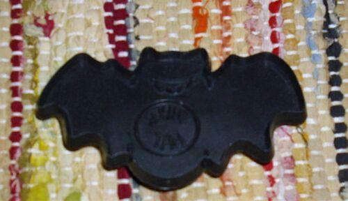 Vtg Hallmark Halloween Plastic Imprint Cookie Cutter Black Super Bat 1985 Used