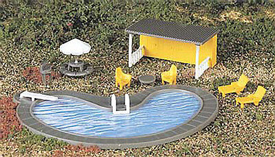 NEW Bachmann Swimming Pool w/Accessories HO 42215