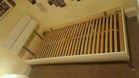 Hammonds Fusion White Single bed (frame), excellent condition