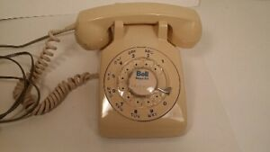 *téléphone vintage roulette*