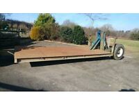 tractor low loader , hydraulic lowering suit midi digger
