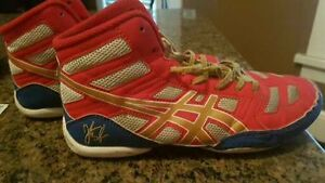 Kids wrestling shoes size 5 and a half Cambridge Kitchener Area image 1