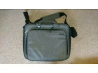 Tucano laptop messenger shoulder bag