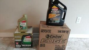 2  Cartoons of 100% Castrol synthetic   5-30 & 5-20