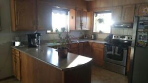 Nice looking Quality Oak Kitchen Cabinets