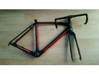 Specialized Crux Elite EVO Carbon Fibre Cyclo-cross frame in immaculate condition