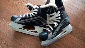Bauer Hockey Skates size 4 R (US shoe size 5)