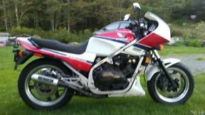GREAT WORKING HONDA VF750F INTERCEPTOR.