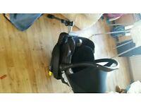 Maxi cossy Cabriofix car seat and isofix/seatbelt click base