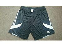 Adidas Football shorts - L