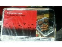 Instant party barbecue with stand