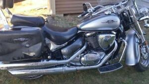 Selling 2009 Suzuki Boulevard C50 800cc with extras! Need sold!