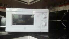 700w brand new microwave