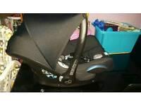 Maxicosi cabriofix black car seat