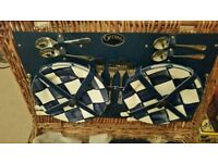 Stunning Optima picnic basket with blue accessories £35
