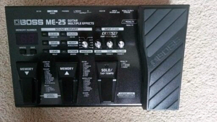 Boss ME-25 effects pedal