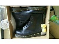 Dr martens size 10 boots