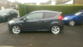 Excellent example of Ford Fiesta Zetec S (2011), 1.6 Petrol engine in Gunmetal Grey for £5,500