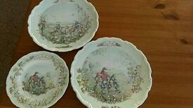 Set of 3 royal albert wind in the willows plates