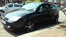 i'm selling my Ford Focus a very good runner with 500 ono it has MOT until end of february