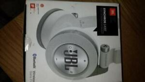 Écouteur JBL by Harman E40BT Bluethooth wireless Sans Fil !