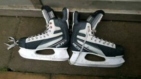 Odell ice skates size 6.5 in used good condition!Can deliver or post!