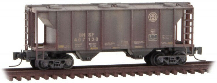 Micro-Trains MTL Z-Scale PS-2 2-Bay Covered Hopper BNSF #407130 Waethered