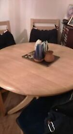 expandable oak table and four chair's