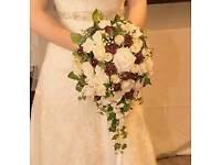 Teardrop wedding bouquet/flowers