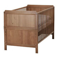 IKEA CRIB / TODDLER BED. Two in one.