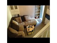 Double furnished room in professional house share