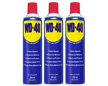 Die Allzweckwaffe gegen alle Klemm- und Quietschproblemen: WD-40.
