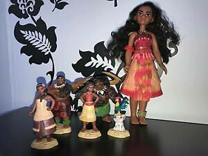barbie moana et figurines moana