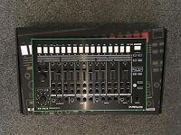 Roland - TR-8   Rhythm Performer
