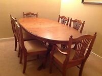 DUCAL PINE EXTENDING DINING ROOM TABLE AND 6 CHAIRS