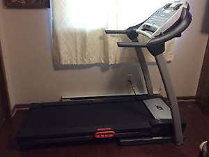 FOR SALE NORDIC TRACK TREADMILL