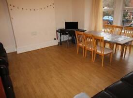 9 bedrooms in 20 Kensington Terrace, Leeds, LS6 1BE