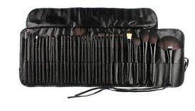 Black 32 Pcs Kabuki Make Up Brush Set and Cosmetic Brushes Case