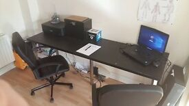 Computer office desk and office chairs x 2