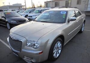 2009 Chrysler 300C Hemi Mint RARE Low KM