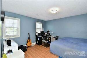 HWY7/Warden-two bright guest bedrooms for rent