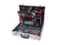 Brand New Halfords 114 piece aluminum tool set