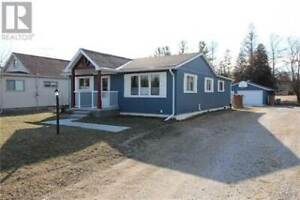 Lake Huron Cottage | 🏠 Houses, Townhomes for Sale in ...