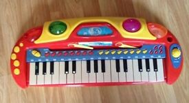KIDS PIANO WITH LIGHTS