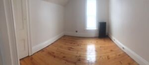 Newly renovated 2 Bed 1 Bath apartment. Includes Heat and Water! Cambridge Kitchener Area image 9