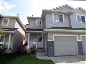 Lovely Townhome in Summerhill Lane (West Edmonton)